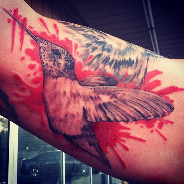 Humming bird w color splash bobby ink tattoos for Splash color tattoo